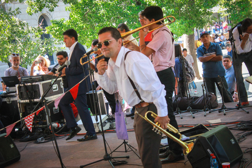 SWINGTIAGO BAND PLAZA DE ARMAS_0817
